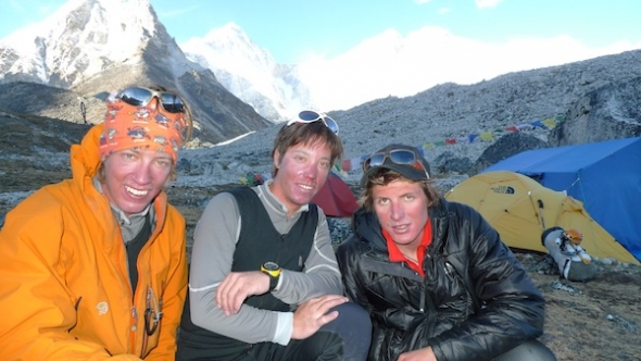 Simon, Samuel und Michi zur�ck im Basecamp nach 5 Tagen / Back in basecamp after 5 days